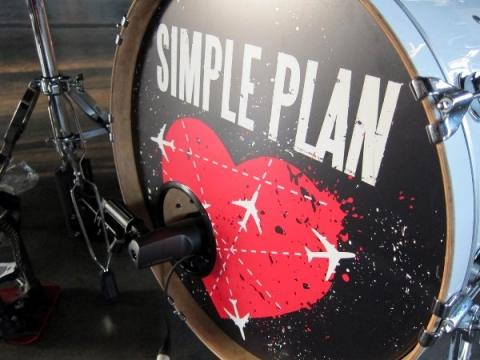 simpleplan_kickmic_kicsi.jpg